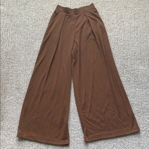 Flowy High Waisted Uniqlo Jersey pants